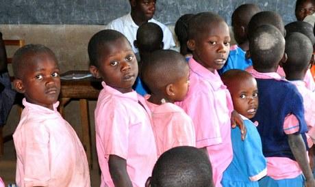 Prävention mit Theater und HIV-Test in Westkenia