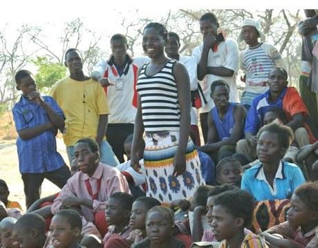 Hilfe für Aidswaisen – Einkommen durch Bildung