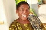 Die Kranke, die die Kirche heilt - HIV-positive Pastorin in Tansania