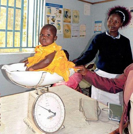 Mit einem Fahrzeug HIV/AIDS in West-Kenia bekämpfen