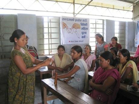 Nepal: HIV- und Aids-Aufklärung in der Midwest Region