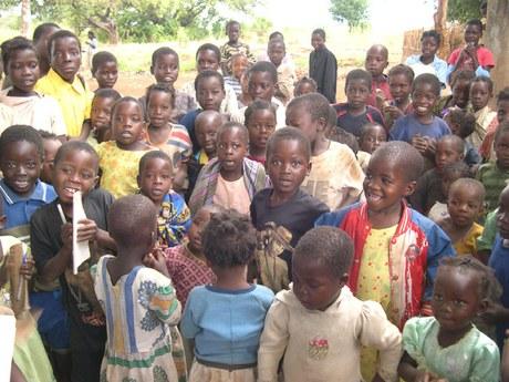 Psychosoziale Unterstützung für Kinder und Jugendliche, die von HIV/Aids betroffen sind