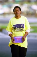 How is it possible that, in 2018, an estimated 1.7 million people acquired HIV?